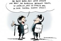 karikatur-schwarwel-bundesliga-polizei-polizeieinsatz