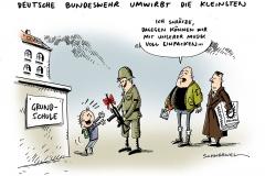 schwarwel-karikatur-budeswehr-nachwuchsgewinnung-kinder-grundschule