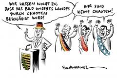 Sächsische Ministerpräsident Kretschmer verurteilt Gewalt in Chemnitz scharf; Bundesinnenminister Seehofer möchte sich nicht äußern