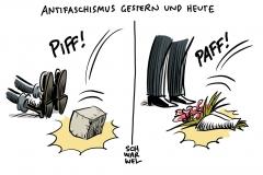 Bei Vereidigung des FDP-Ministerpräsidenten: Linke-Landeschefin wirft Kemmerich Blumenstrauß vor die Füße