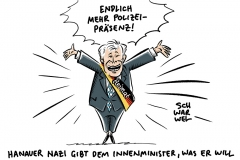 Seehofer nach Anschlag in Hanau: Polizeipräsenz wird bundesweit erhöht