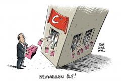 Türkei im Ausnahmezustand: Erdogan zieht Wahlen vor