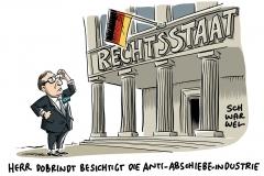 Anti-Abschiebe-Industrie: Innenminister Seehofer verteidigt Parteifreund Dobrindt