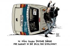 schwarwel-karikatur-mitte-hooligan-randale-polizei
